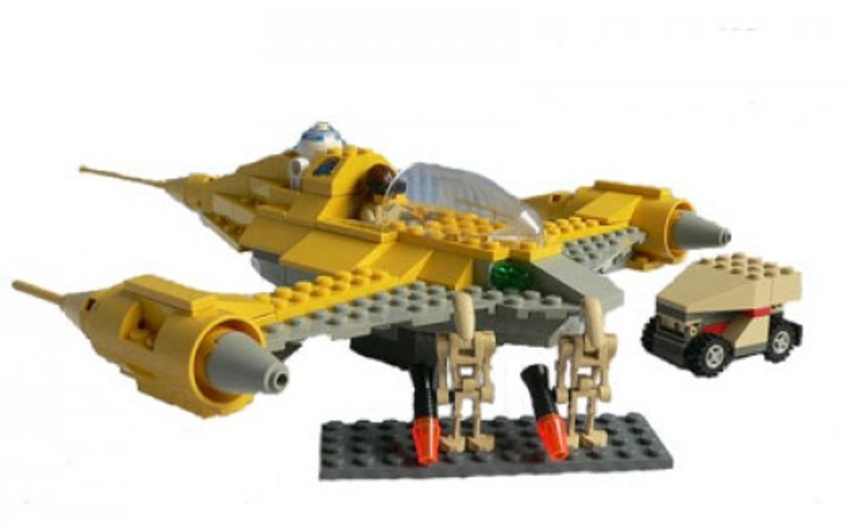 Lego Star Wars Naboo Fighter 7141 Assembled