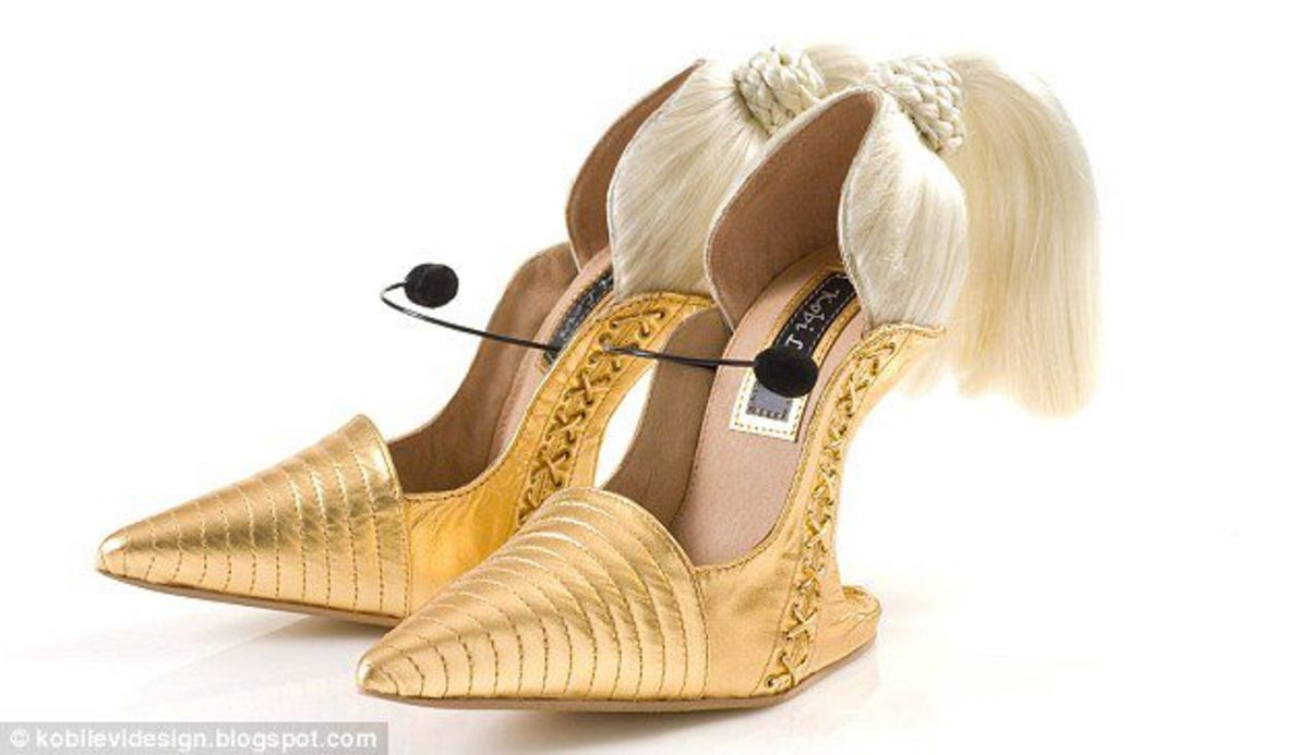 Madonna inspired shoes, comes with microphone, cylindrical tips and blonde pony tail