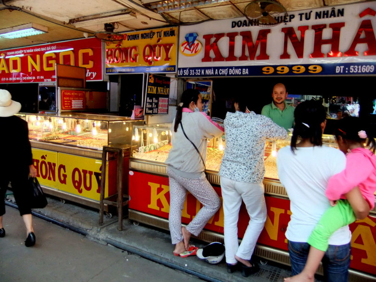 My travel to Vietnam: Vietnamese are regular gold buyers and gold is an accepted medium of financial exchange