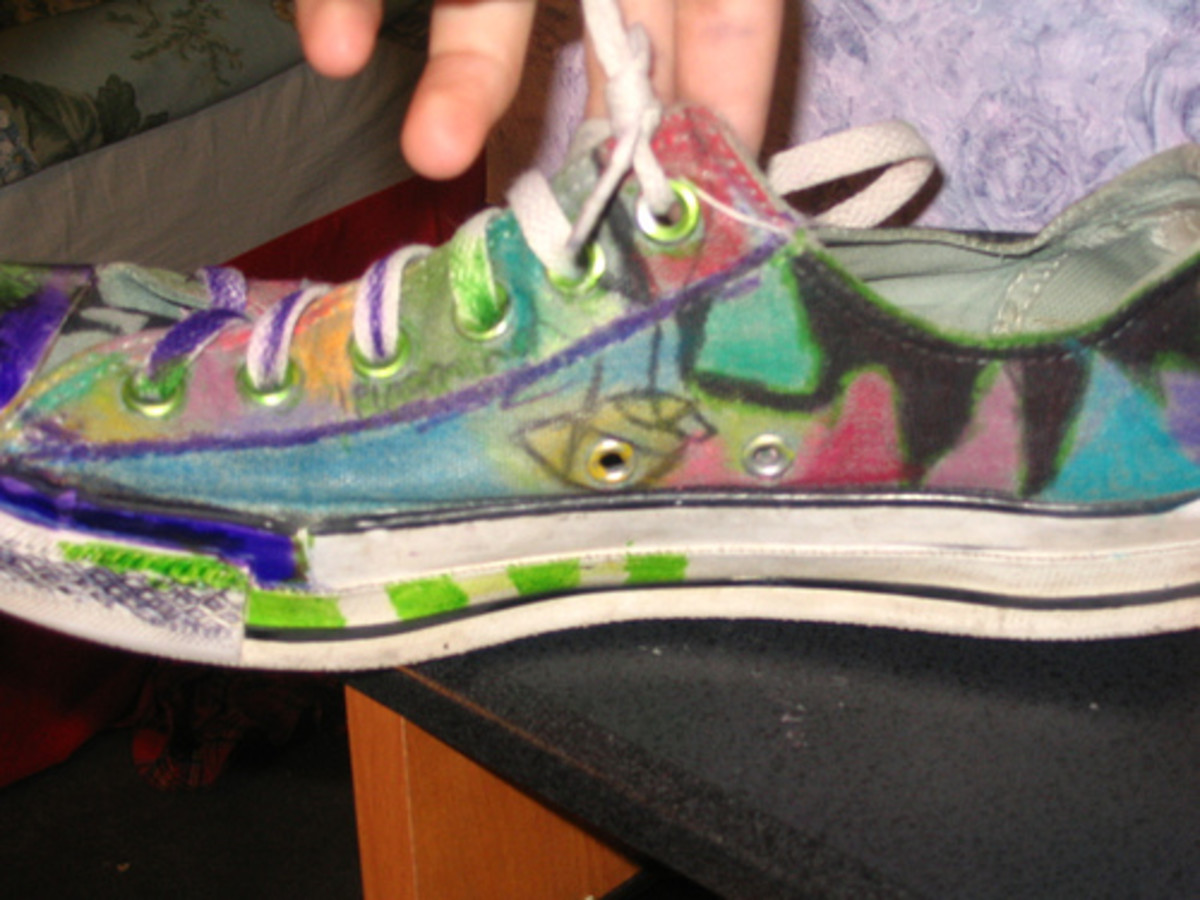 Simply doodling on your sneakers with marker during class can result in fabulous abstract designs.