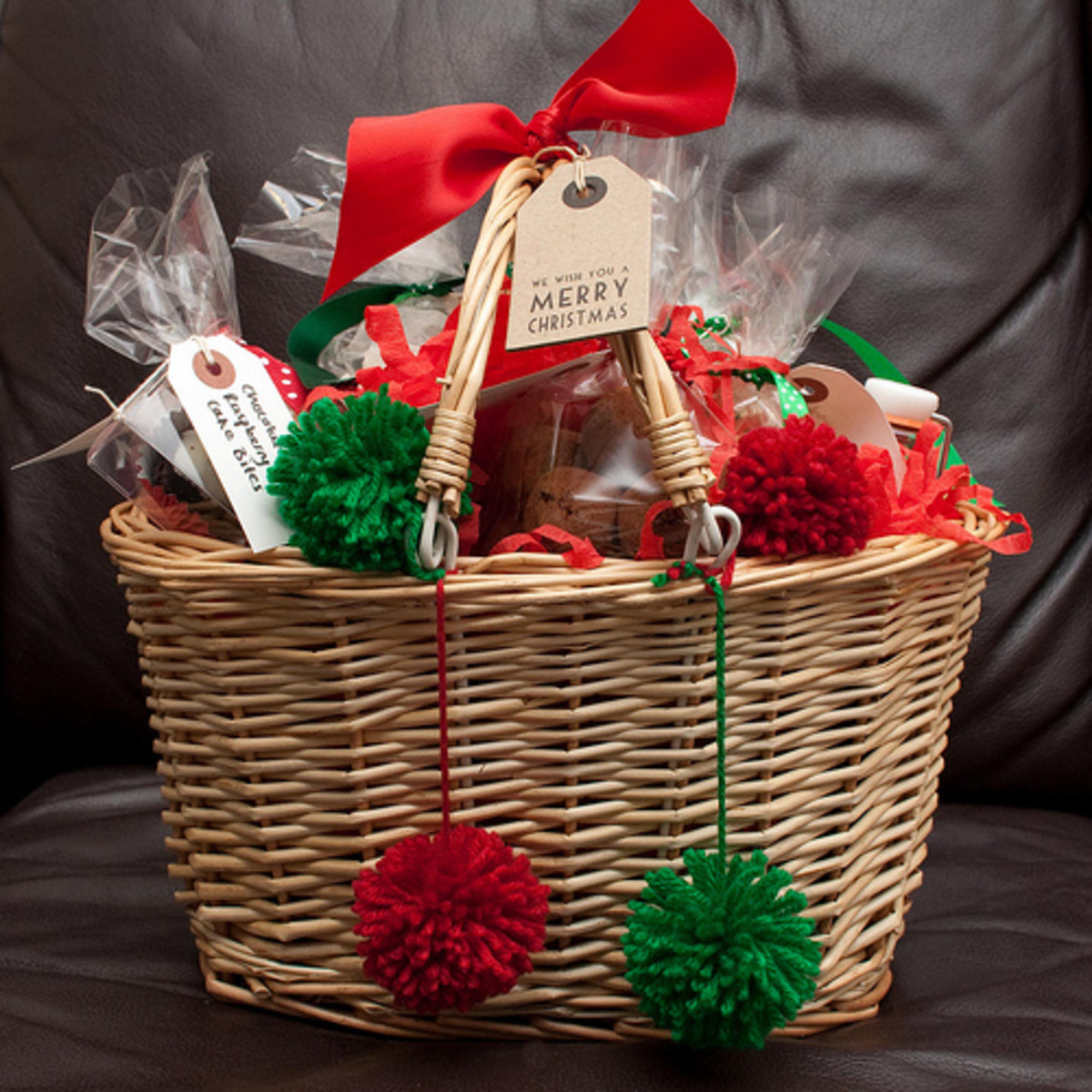 easy-ways-to-save-money-on-christmas-presents