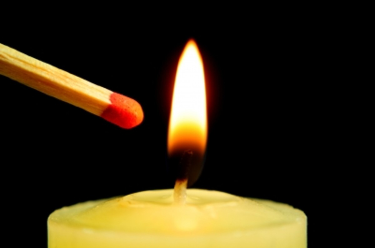how-to-light-a-candle-safely-without-getting-burned