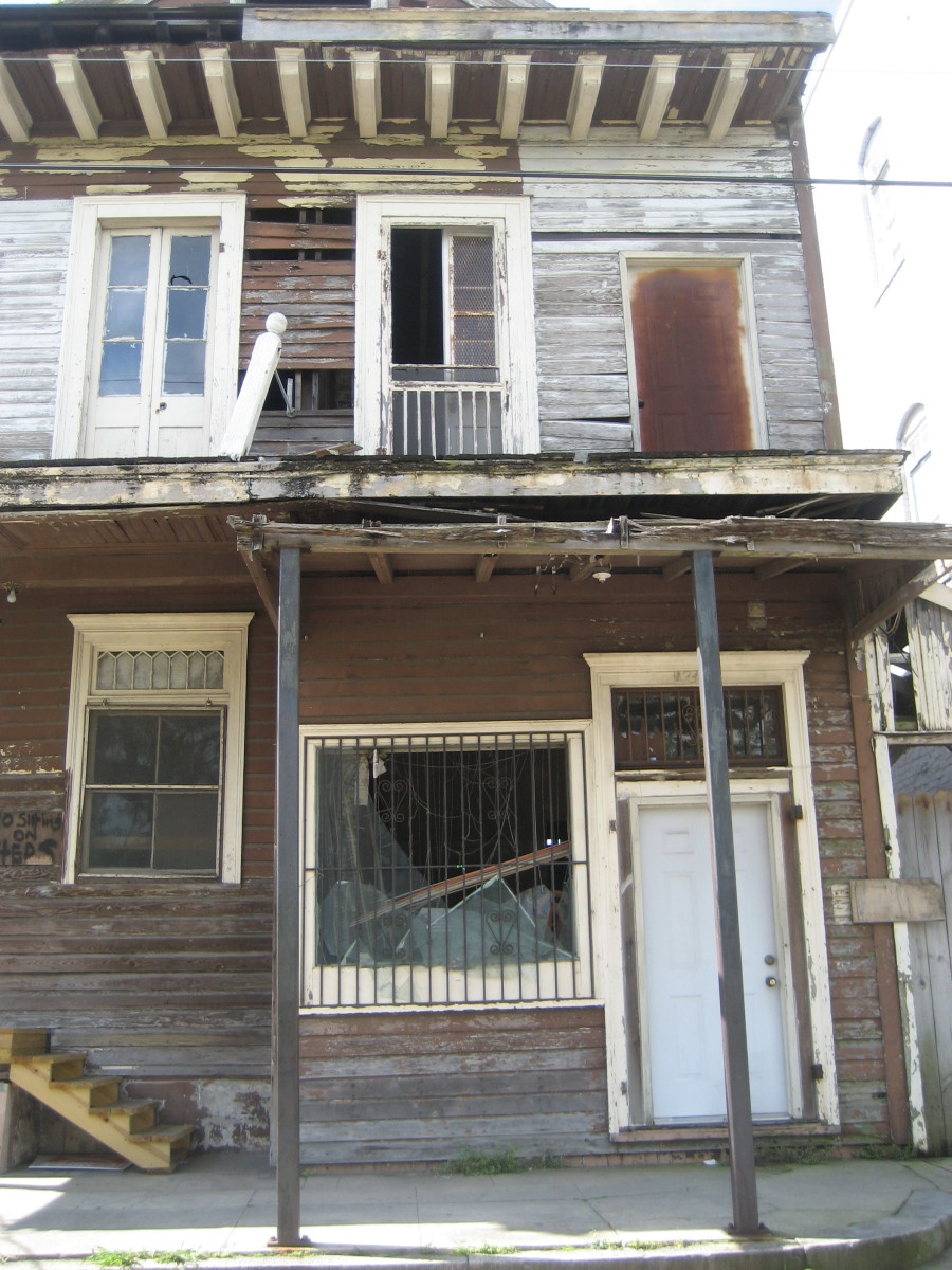 An abandoned building, a telltale sign of a dangerous neighborhood.
