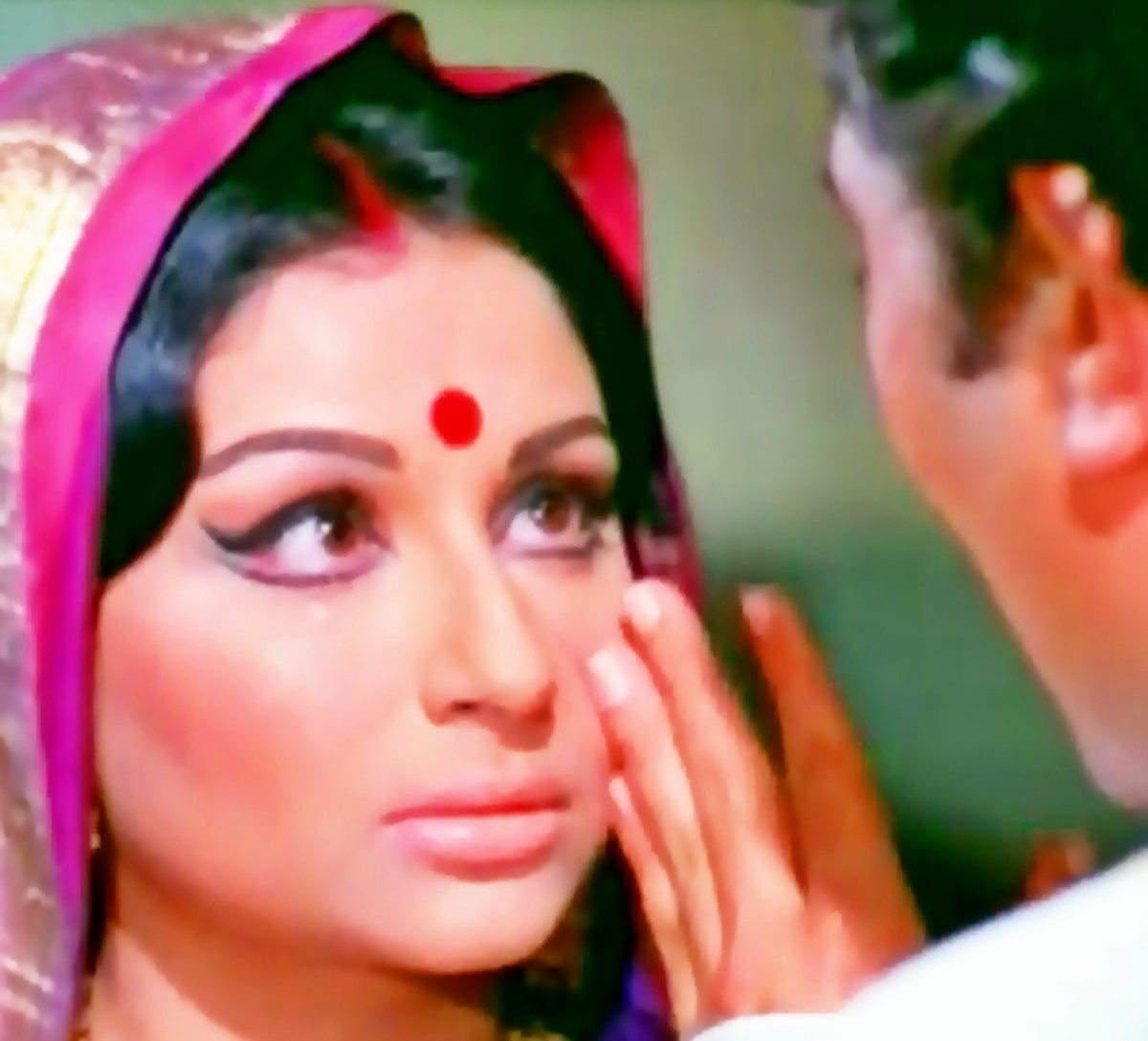 Sharmila Tagore & Rajesh Khanna in Kuchh to log kahenge ...: A great number enacted by one of the all time greatest on-screen pairs of Bollywood
