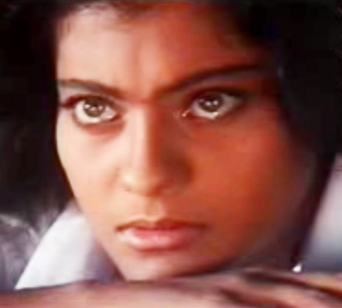 Kajol in Chitthi na koi sandes: One of the best enacted songs of Bollywood