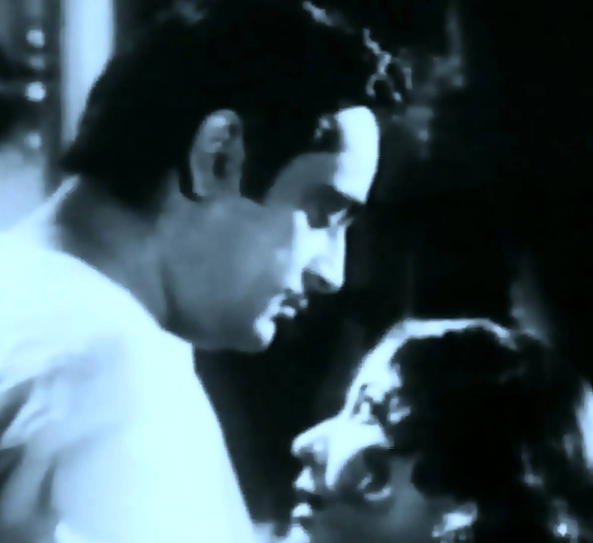 Meena Kumari with Rahman in Na jaao saiyyan ...: Arguably the most passionate song acted in the history of Bollywood