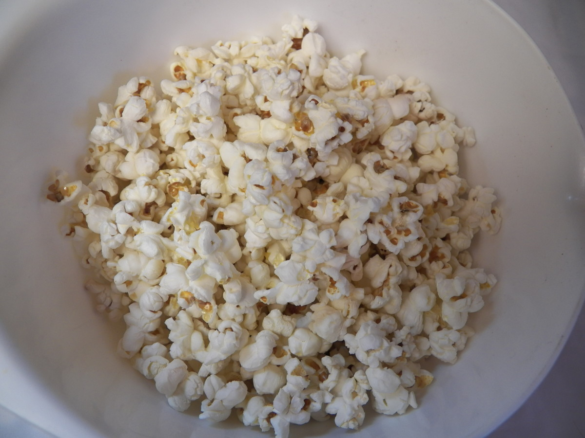 Use 2 microwave bags, or pop the corn on the stove. You can use about 8-12 cups of popped corn in this recipe.  Put corn in a bowl.  Take out unpopped kernels.