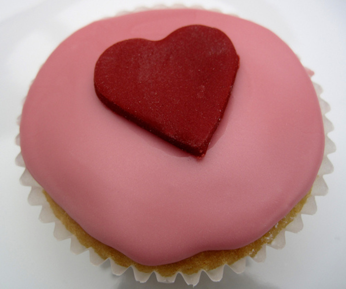 Valentine's Day: Cakes and Cupcake Ideas