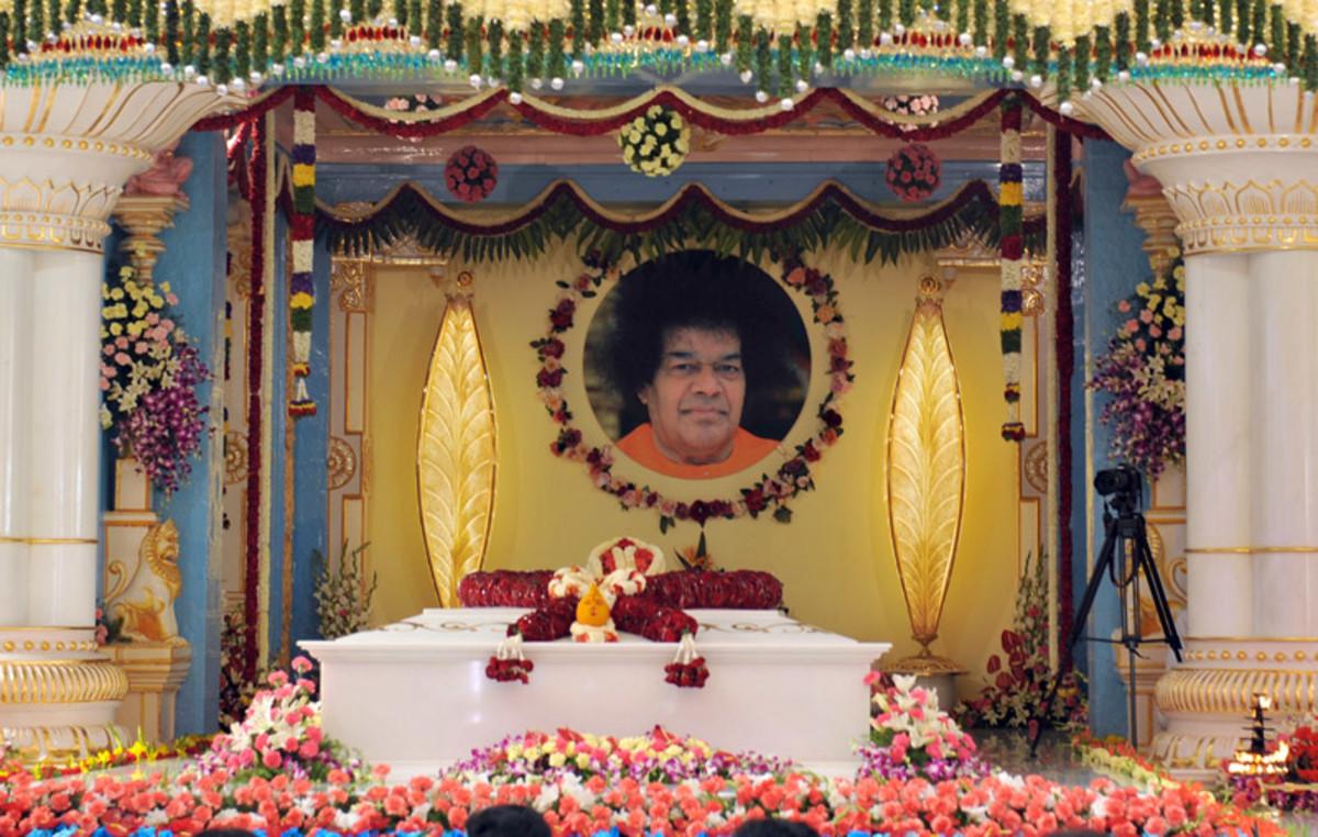 El Mahasamadhi de Bhagavan Sri Sathya Sai Baba.