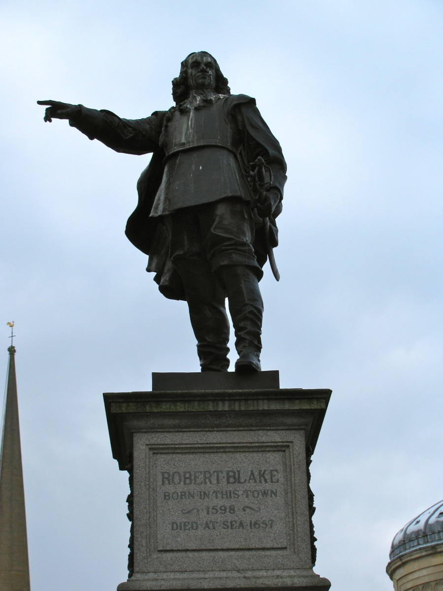 Robert Blake's Statue in the town centre