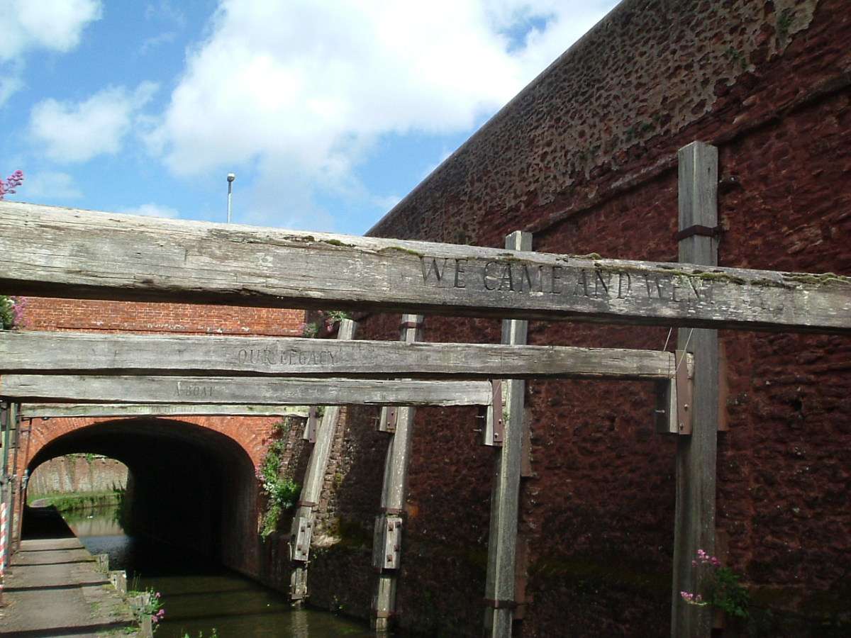 bridgwater-somerset-england-history-bridgwater-carnival-docks-marina-canal-admiral-drake-river-parrett