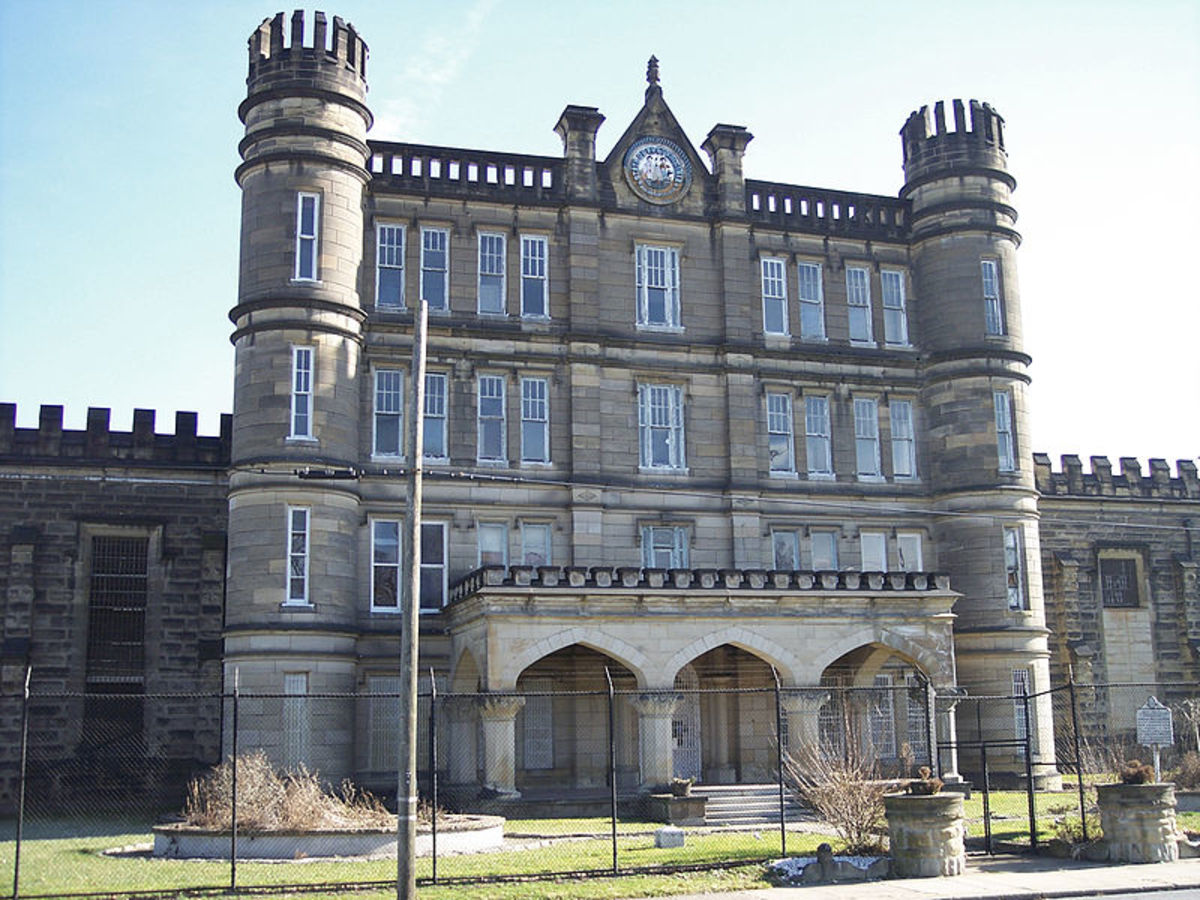 In the photo above is the old closed down West Virginia Penitentiary. It is reported to be one of the most haunted sites in the USA. Do the spirits of dead inmates still haunt the prison.