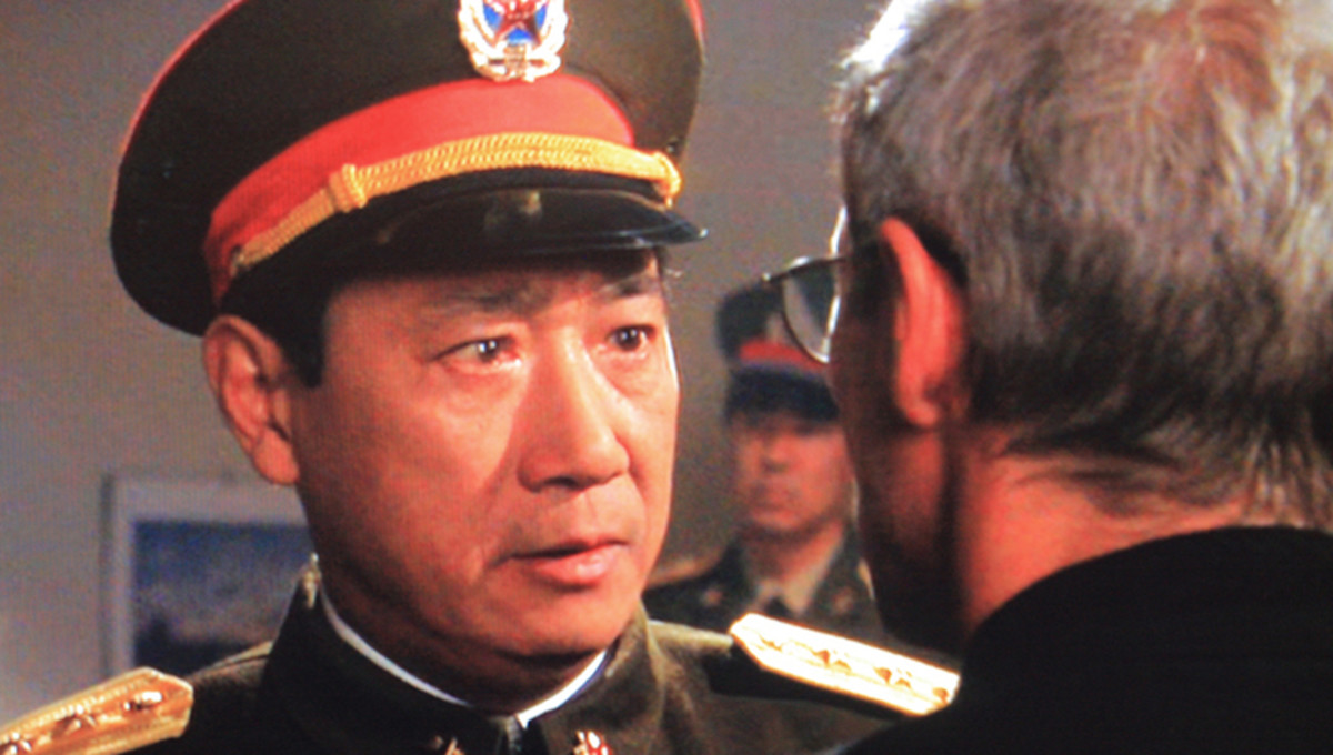 Chi Yu Li - an actor from Shanghai - plays General Hong, the father of Hong Ling. Here he confronts the supposed killer of his daughter in the police station