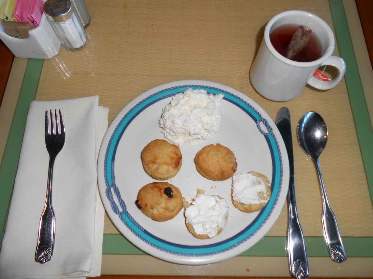 Afternoon snack in the Horizon Court buffet.  Scones with fresh whipped cream and herbal tea became an absolute favorite of mine.