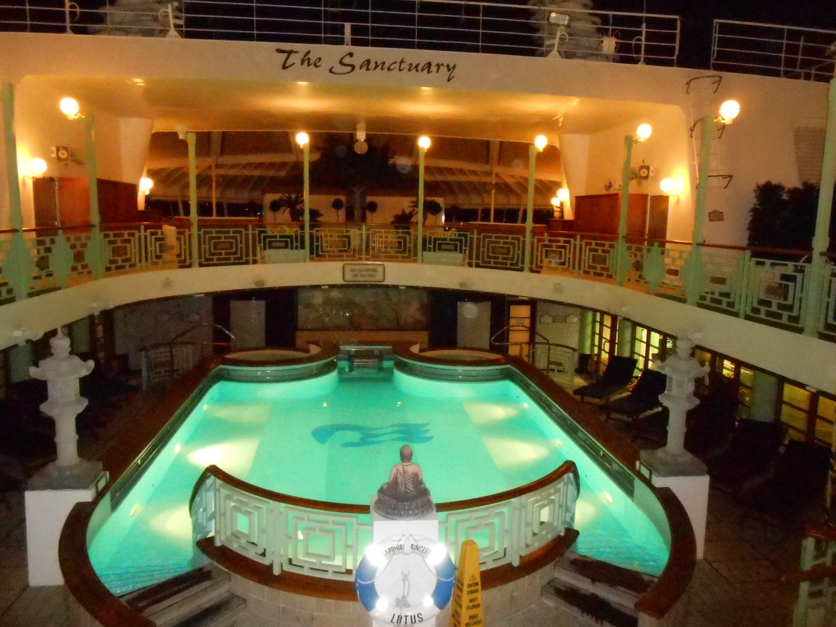 The pool and hot tubs on the Sapphire Princess in which most of my conversations with other cruisers who weren't retired took place. Doesn't that just make you want to book your trip now???