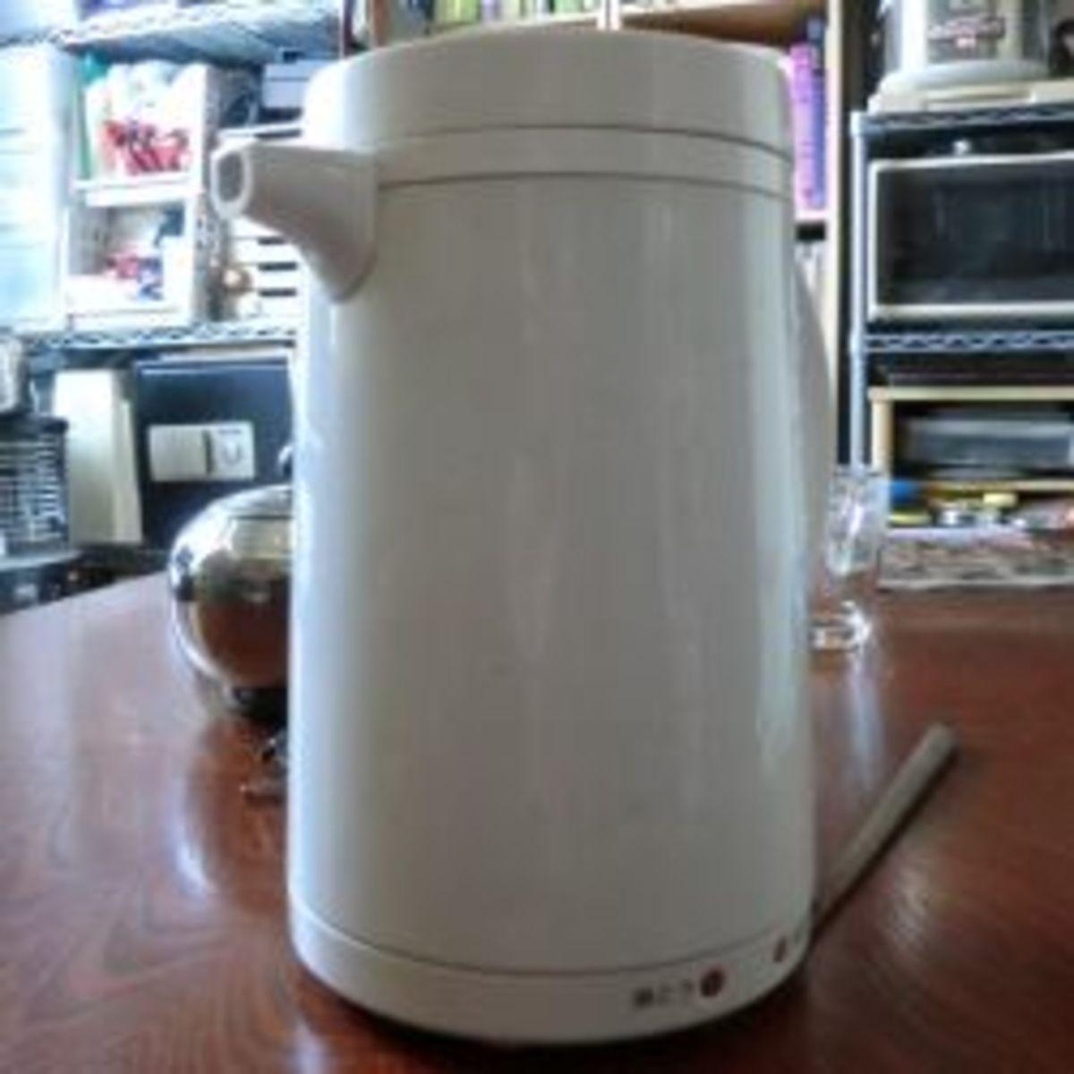 My girlfriend's electric kettle