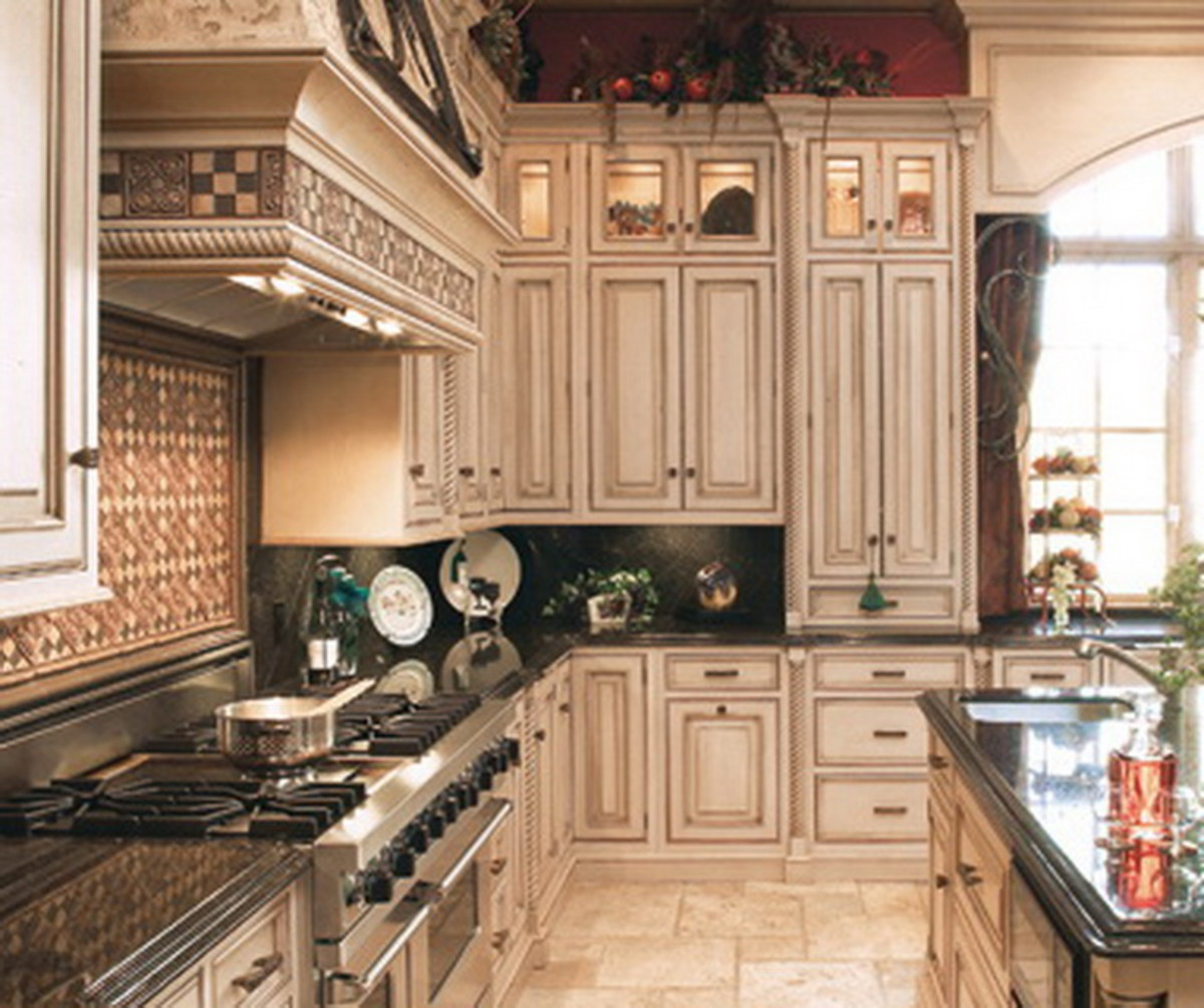 Extra high kitchen cabinets craft a customized kitchen