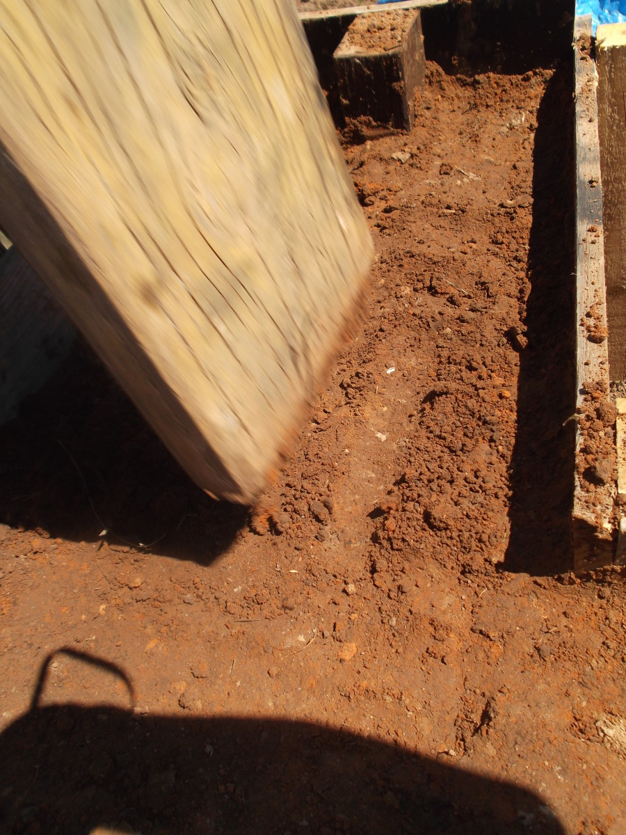 building-rammed-earth-walls-to-improve-my-underground-bunker