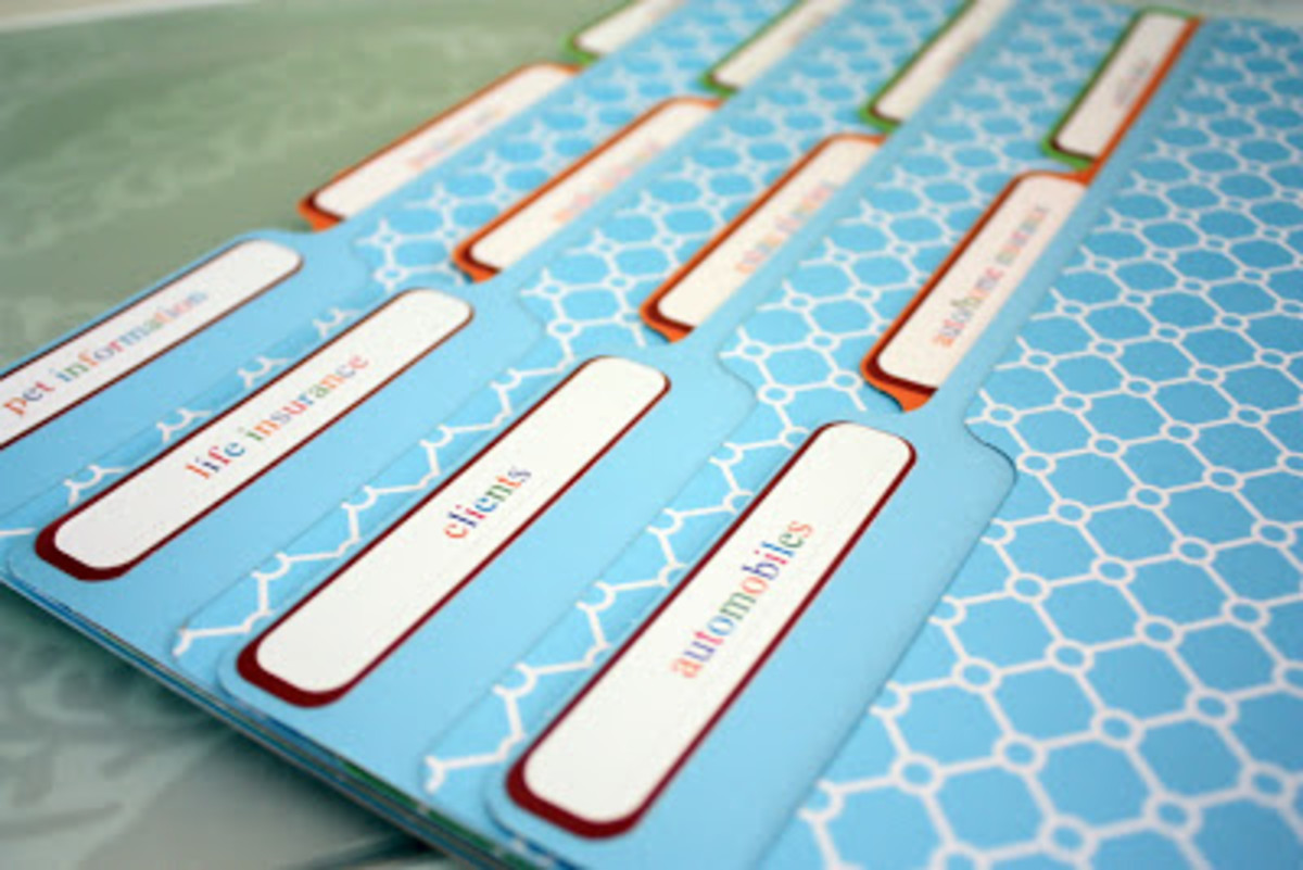 You can opt for decorative folder if you desire. - image compliments of iheartorganizing.blogspot.com
