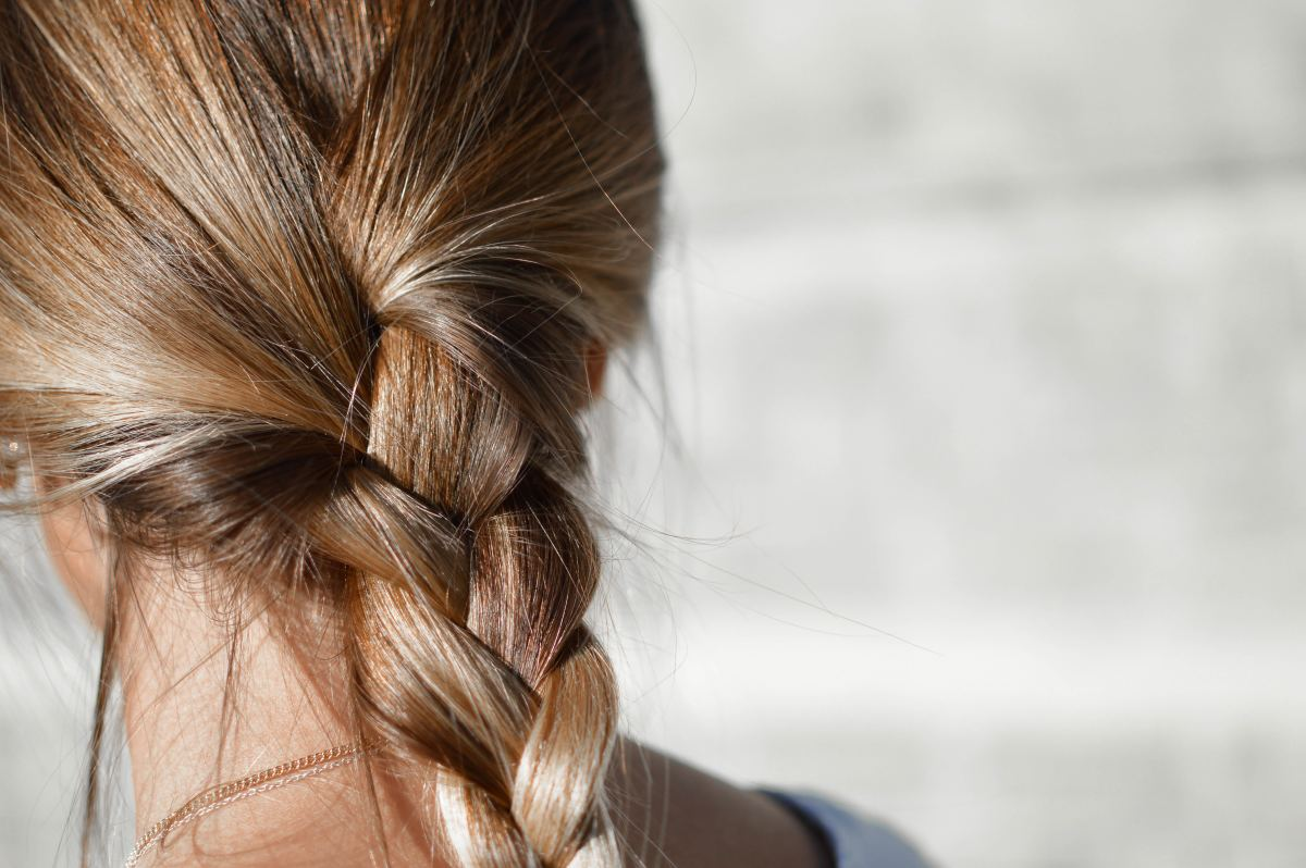 Loosely style your hair for long lasting results and for further growth.