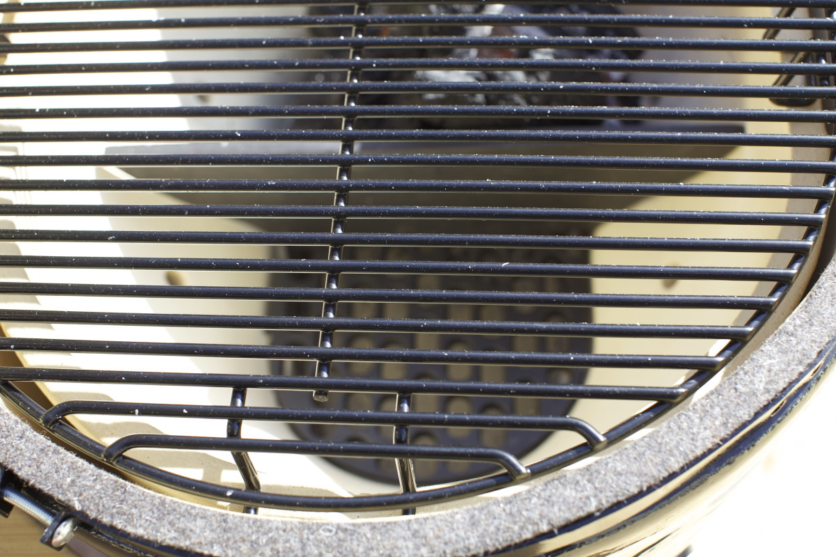Primo Oval XL grill insides