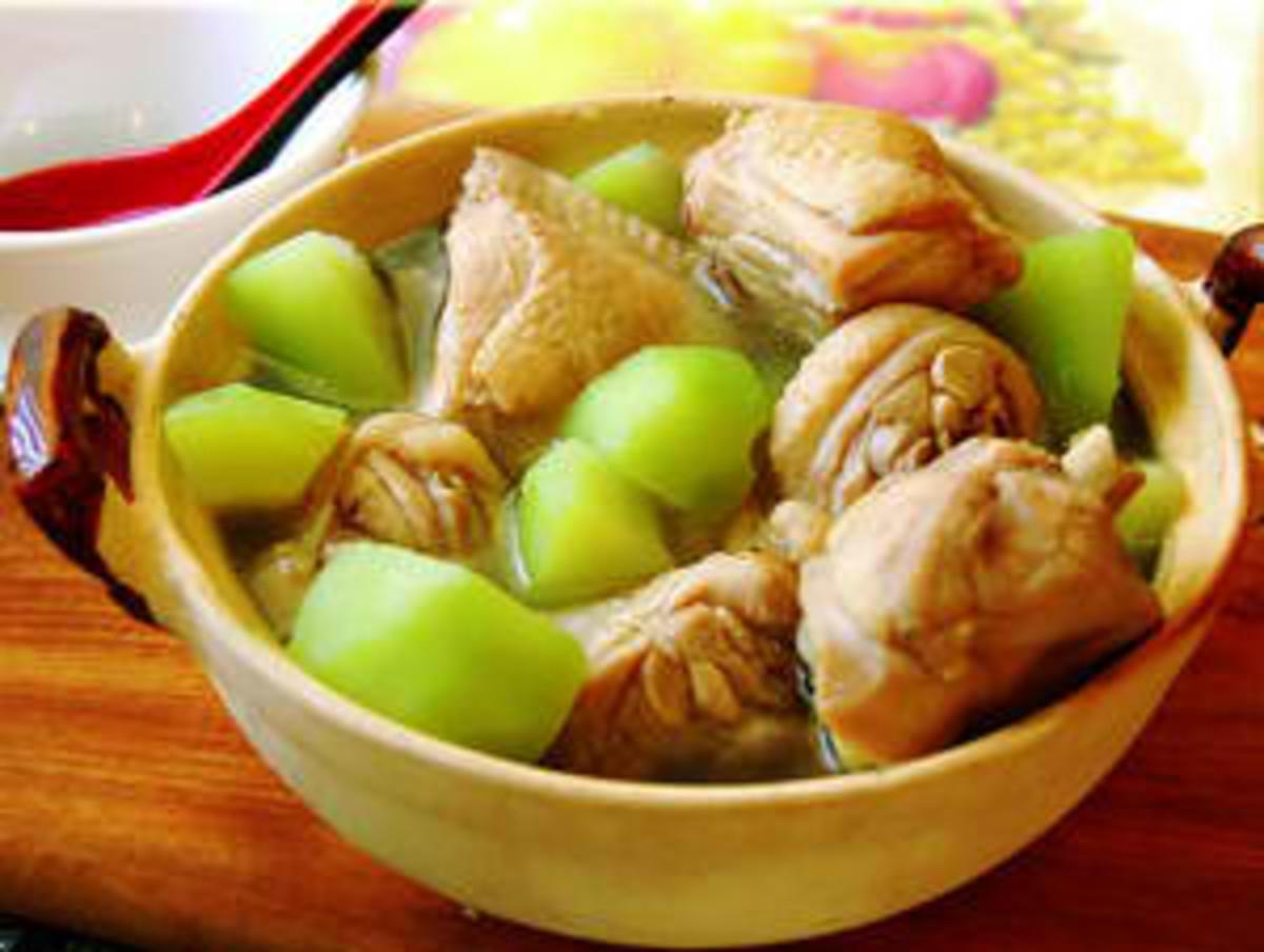 How to Cook Filipino Chicken Stew or Tinolang Manok