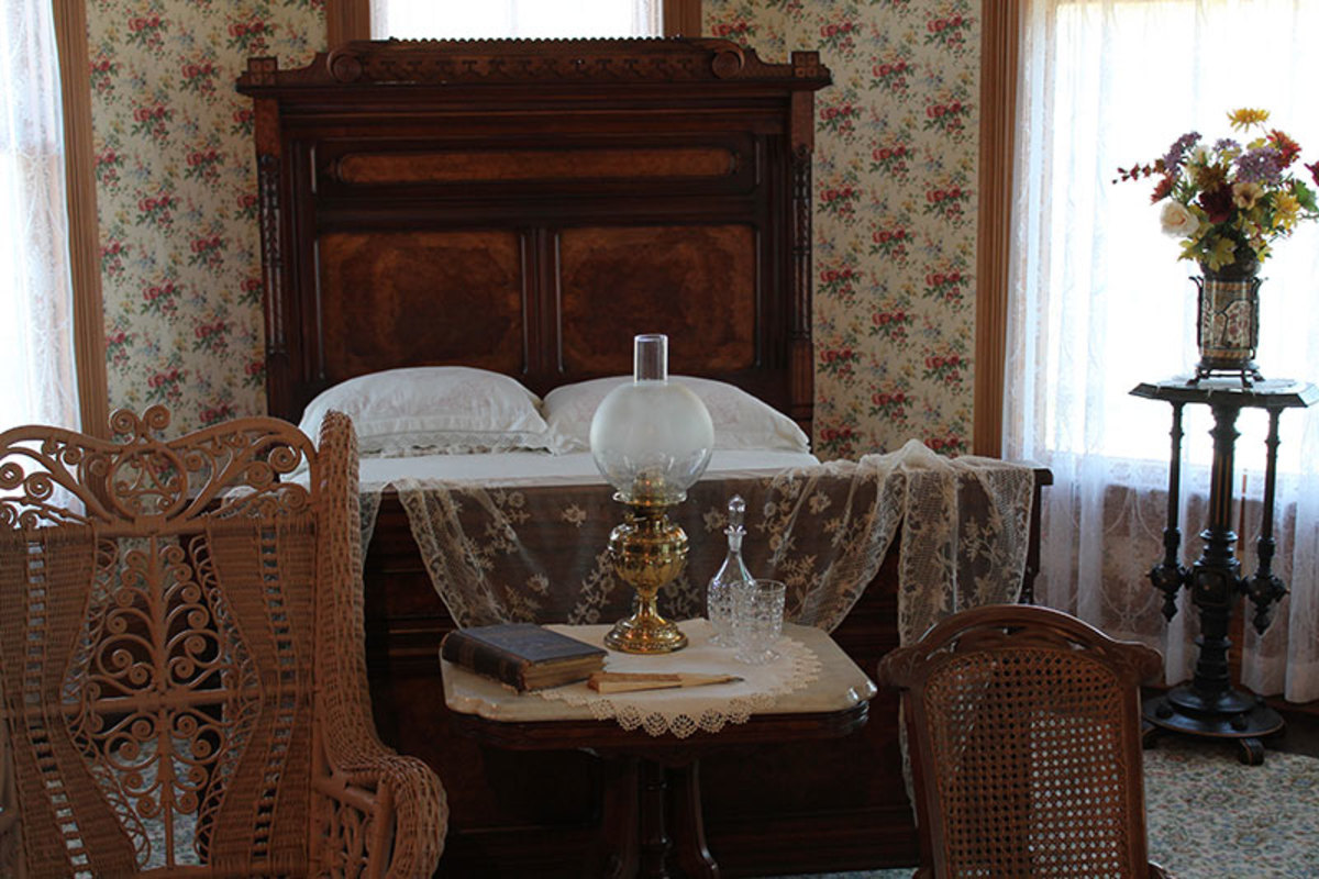 Vintage Bedrooms | Bedrooms of the 1800s-1900s