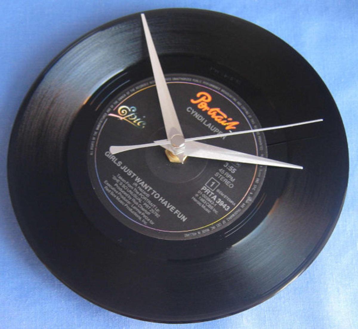 vinyl-record-clocks