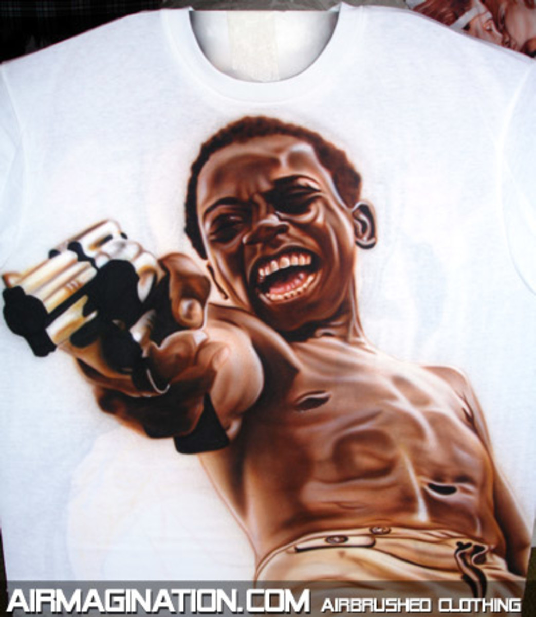 This photo of a scene in the movie has becomed part of modern art circles. You can little little Ze´s image in stencils, grafftis and in a T-shirt like you do here. It represents the pure evil in the character.