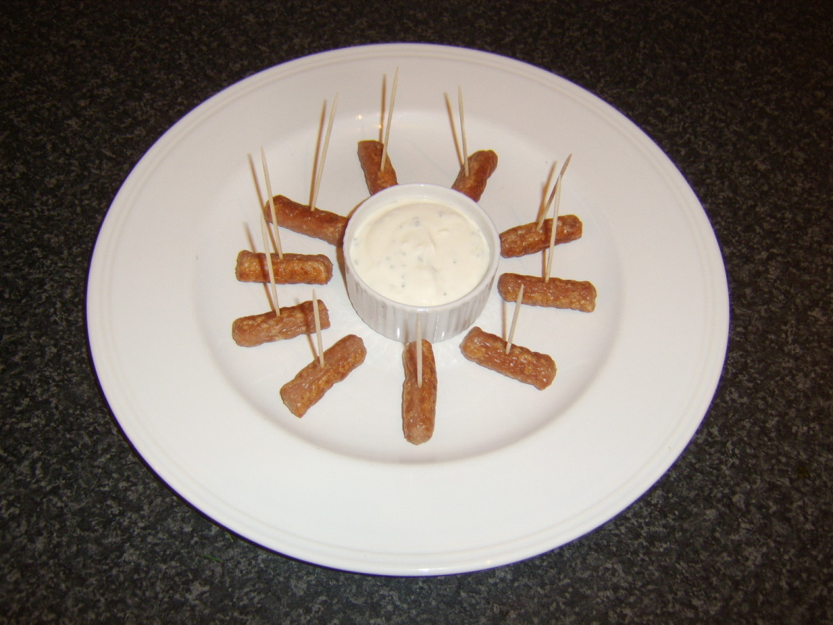 Wee Willie Winkie sausages with garlic and chive dip