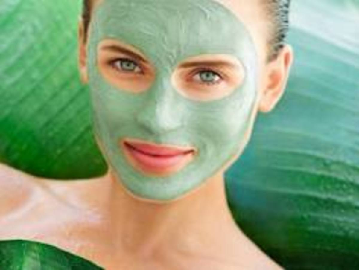 Tea Tree helps get rid of acne spots naturally
