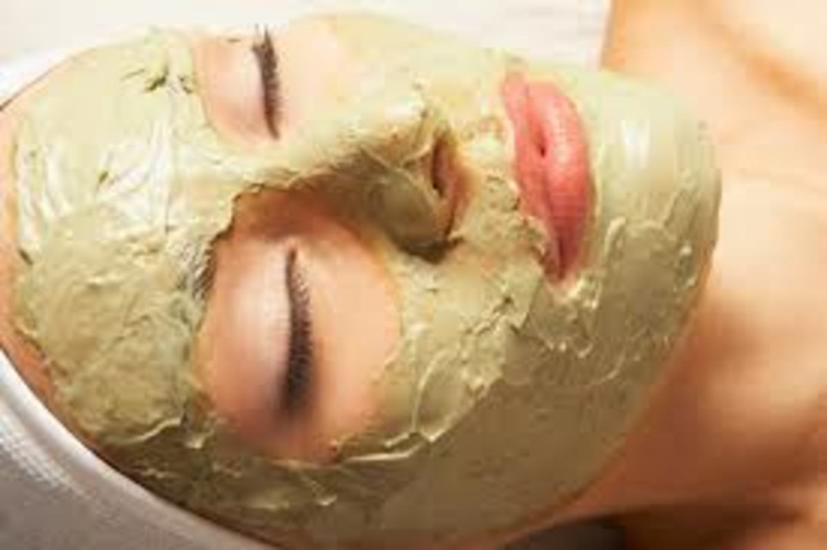 Clay Face Mask helps get glowing skin naturally