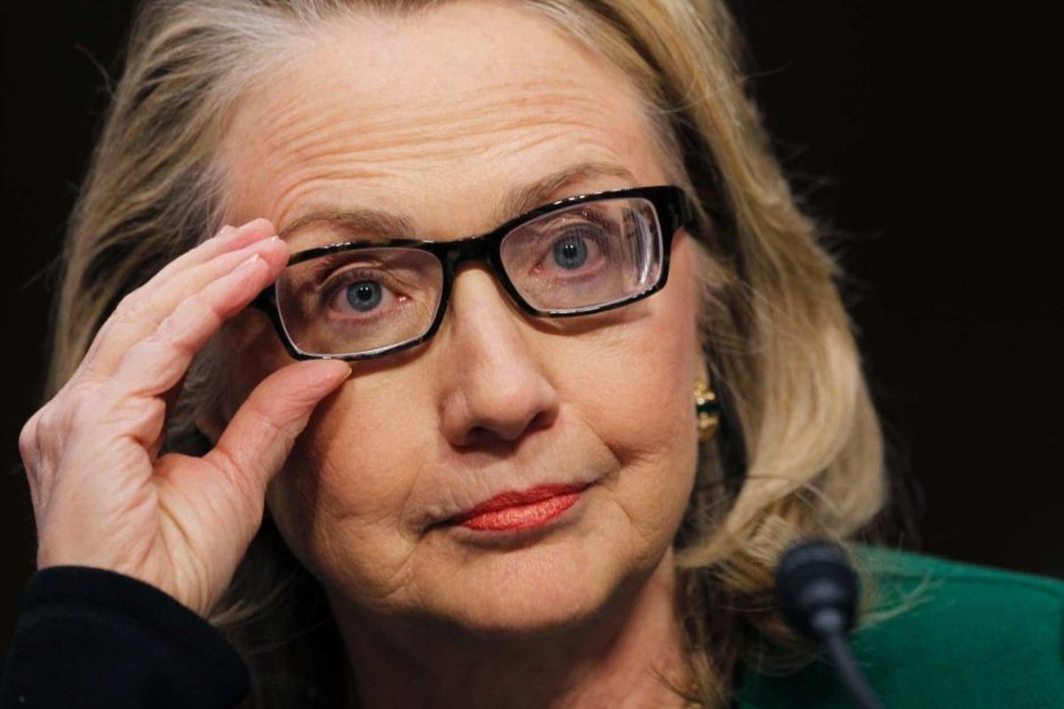 Hillary Clinton wore specialized glasses to help with double vision after her concussion.