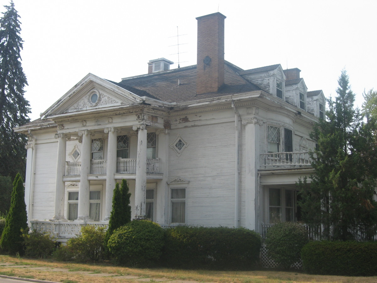 The Jacob Straus house was built in 1898