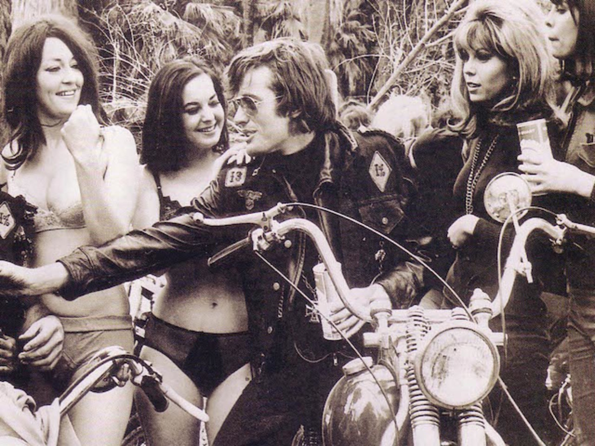 "Peter Fonda with Nancy Sinatra (second from right) on the set of the ""Wild Angels"""