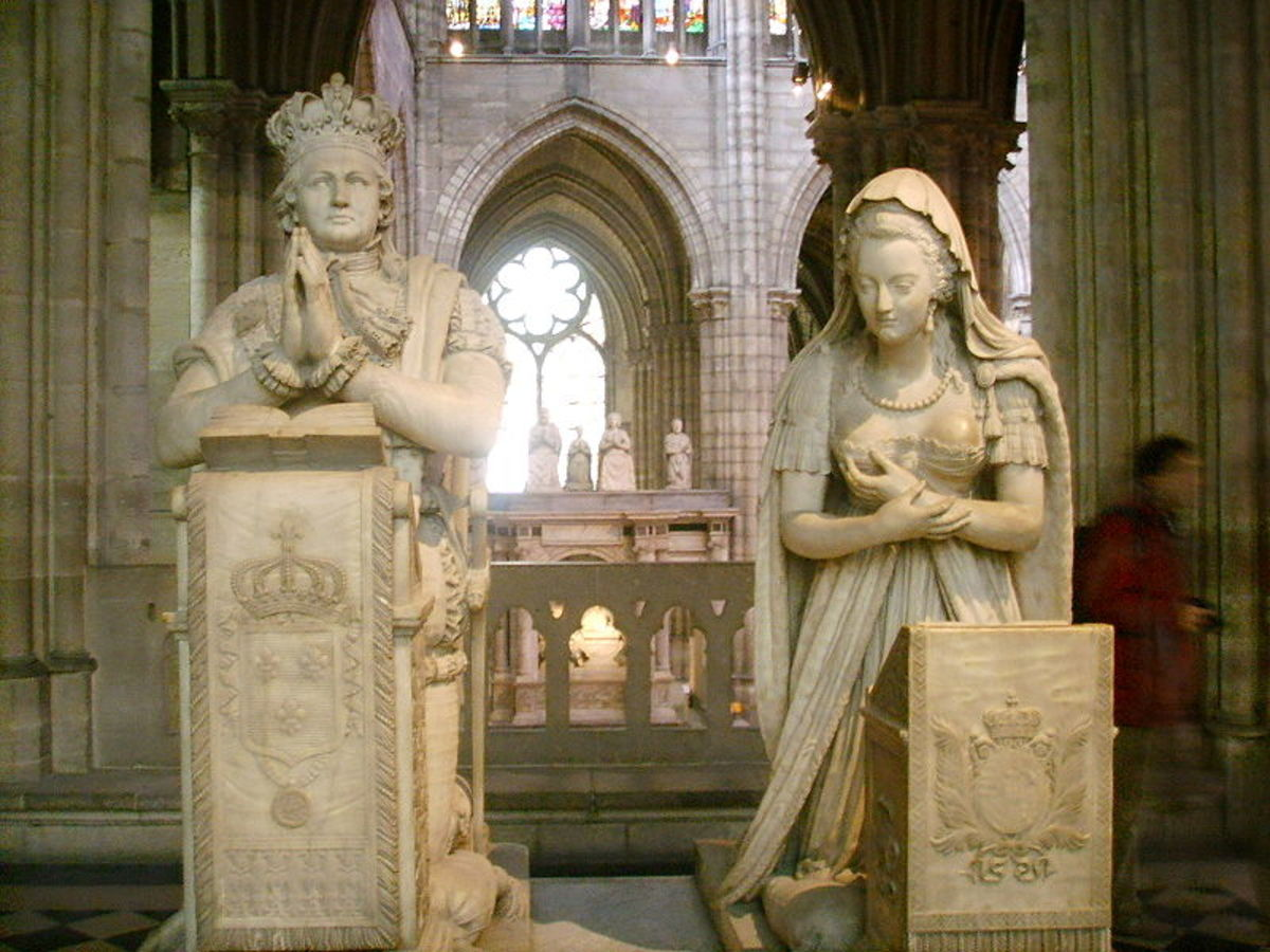 Funerary monuments of Louis XVI and Marie Antoinette (not their burial place)