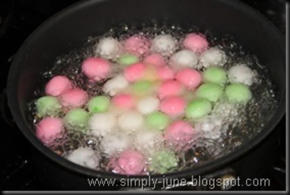 Boiling the tang yuan in a soup pot