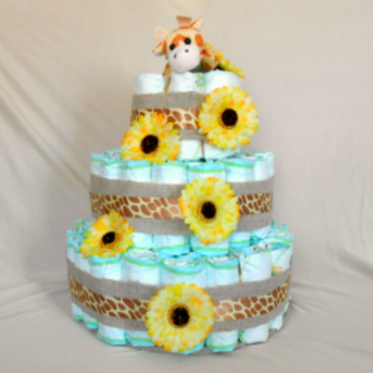 How to Make a Diaper Cake - Step by step tutorials