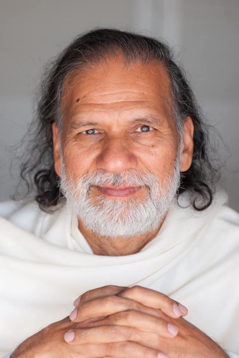 Acharya Shree Yogeesh