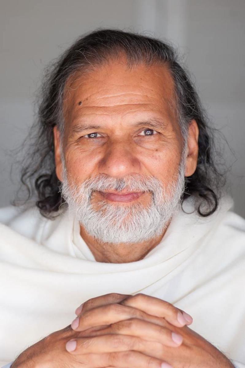 Acharya Shree Yogeesh