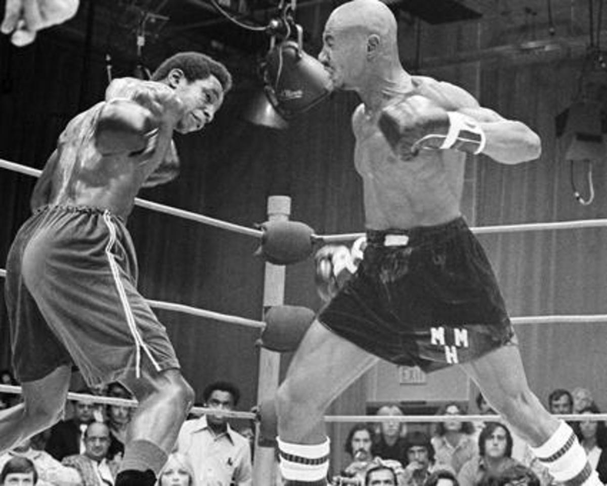 Seales (left) vs. Marvin Hagler