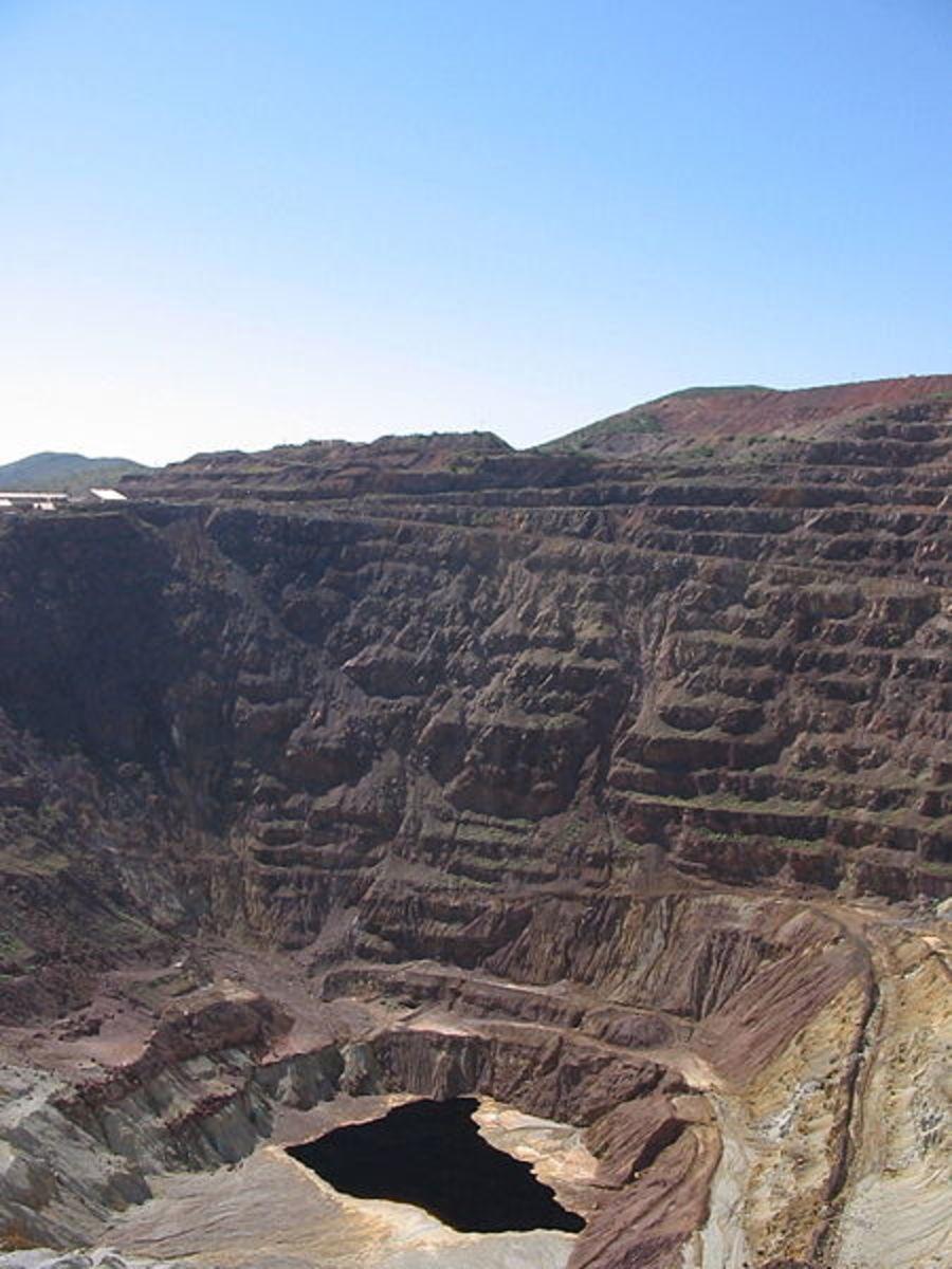 "The Lavendar Pit, Bisbee, Arizona.  Often misspelled Lavender Pit Mine the correct spelling is ""Lavendar"""