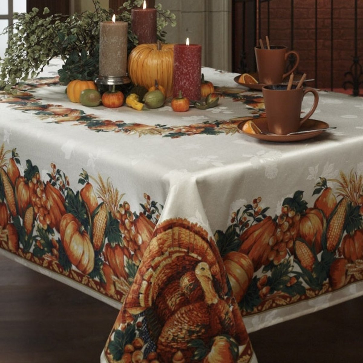 Thanksgiving Table Photo