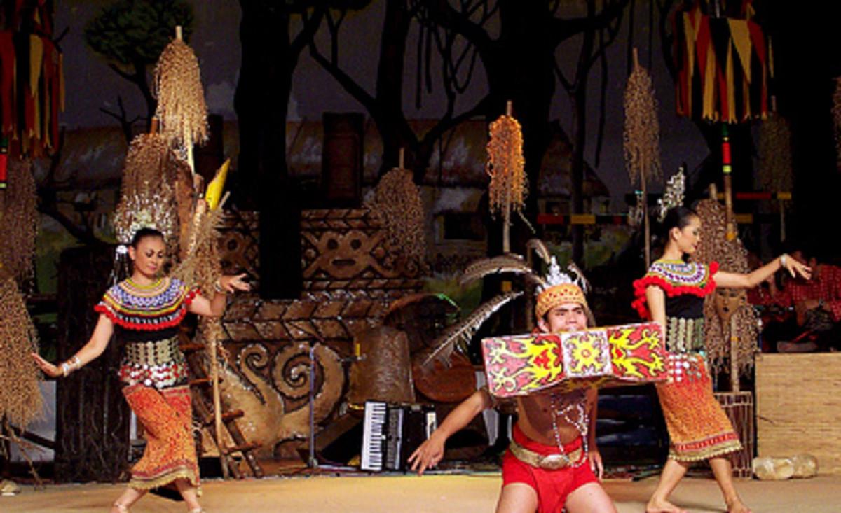 Sarawak Dayak Traditional Dance