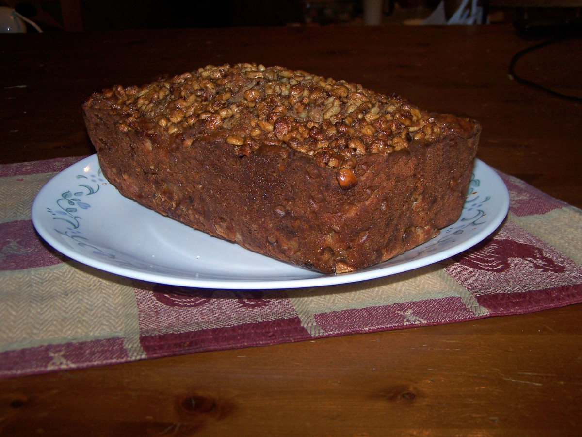 samhain-recipe-apple-walnut-bread-with-sweet-walnut-crumble-topping