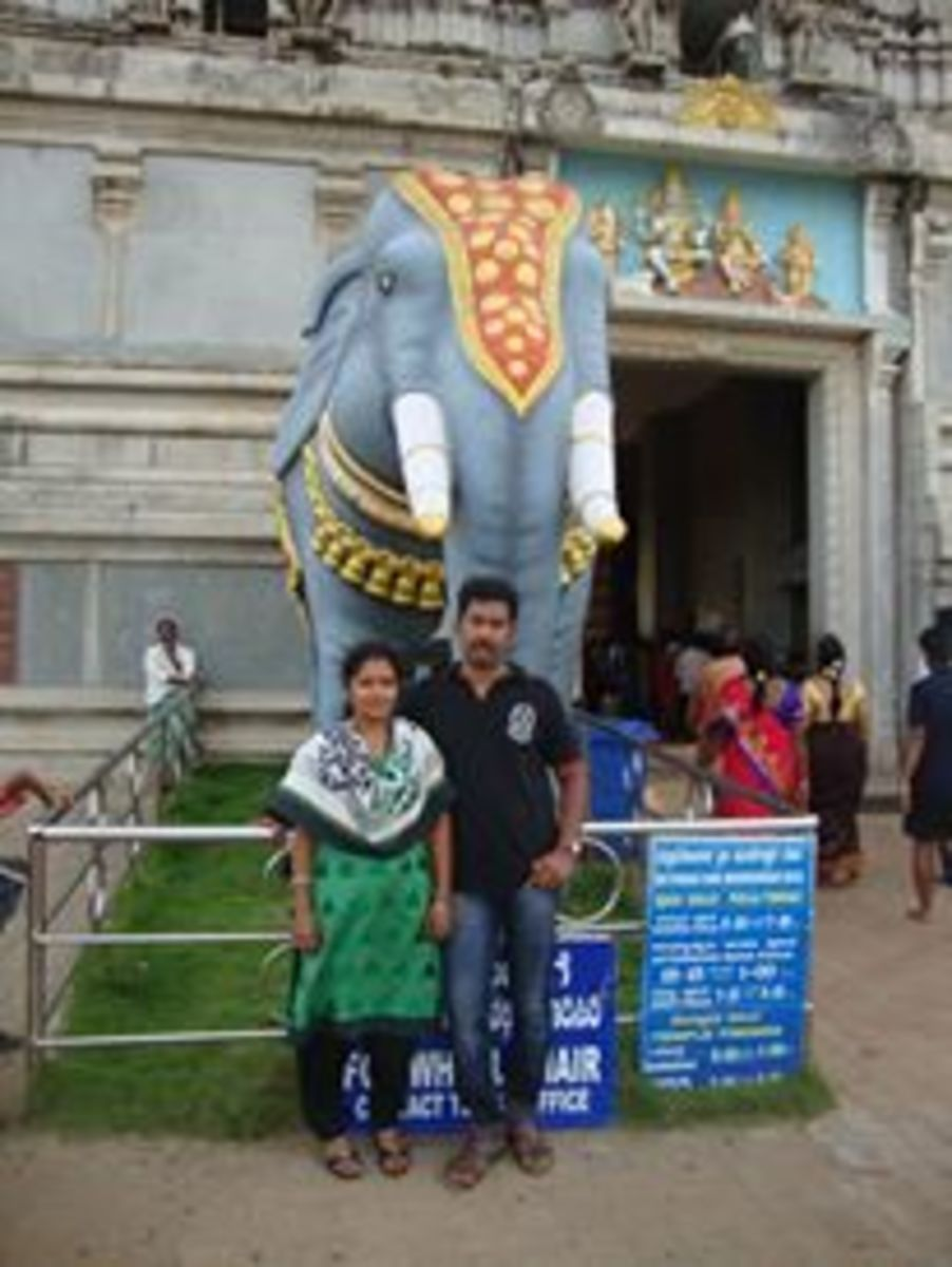 Sunil Kunnoth with his wife, Kavitha