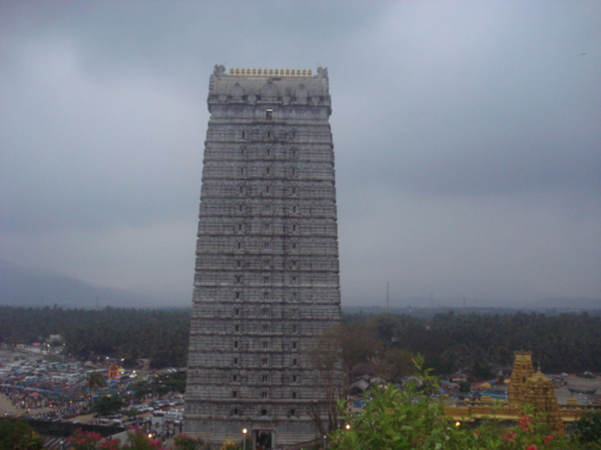 The tallest Raja Gopura (Tower). There is lift facility to reach the top and to view the surrounding scenery.