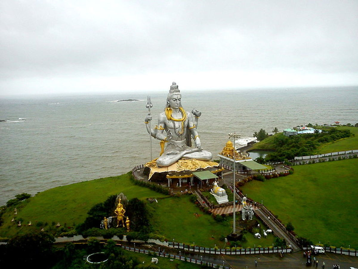 The breath taking view of Shiva Statue at Murudeshwar