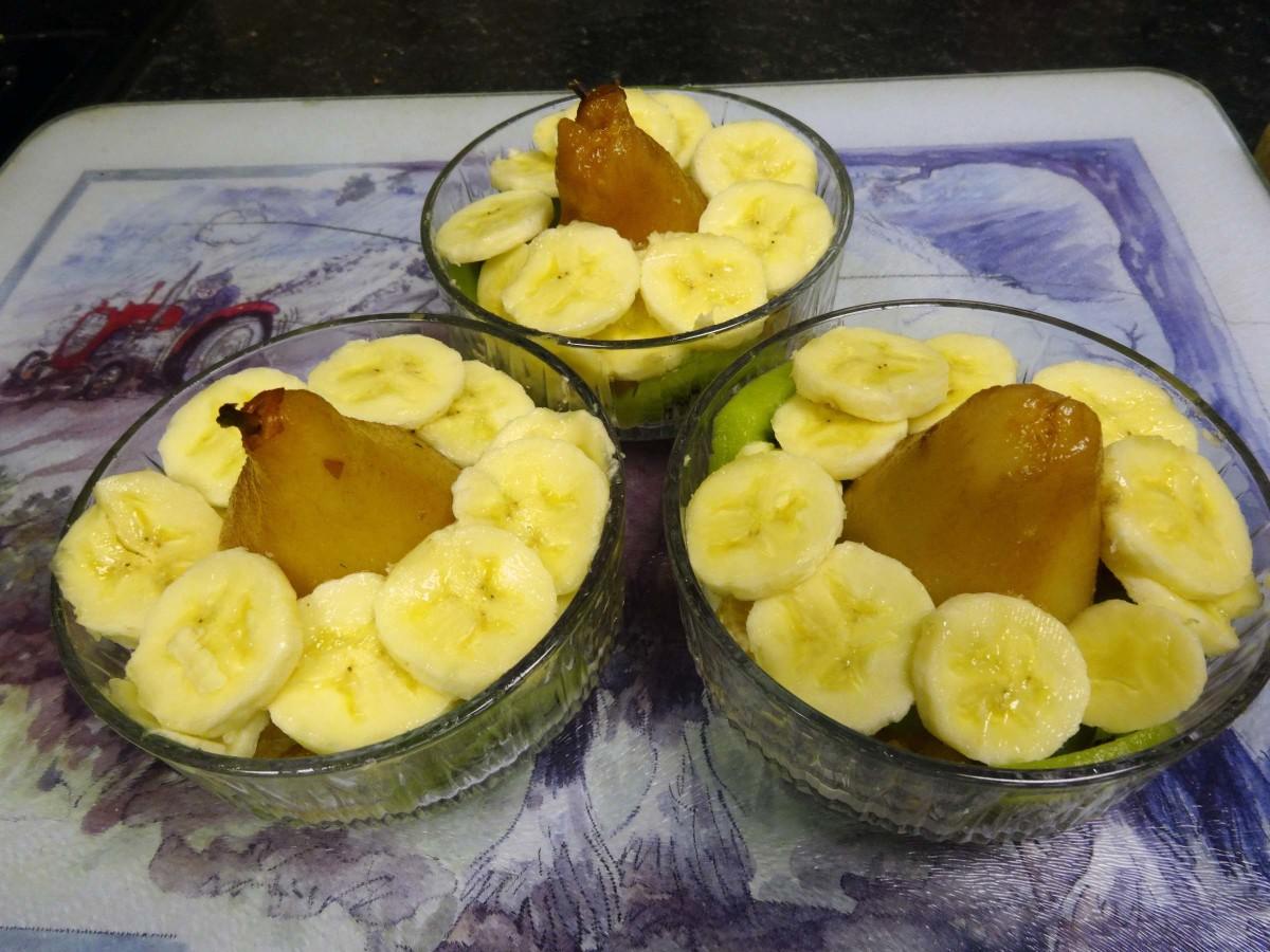 Add the sliced bananas.