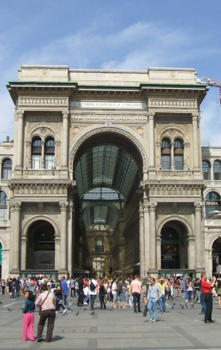 Entrance to the Galeria Vittorio Emmanuelle